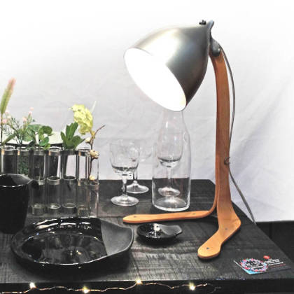 tse & tse Poser Lamp - Natural