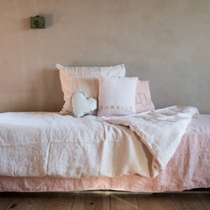 Bed & Philosophy pure linen Molly Cushion in Blush